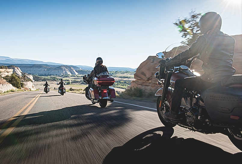 EagleRider motorcycle convoy